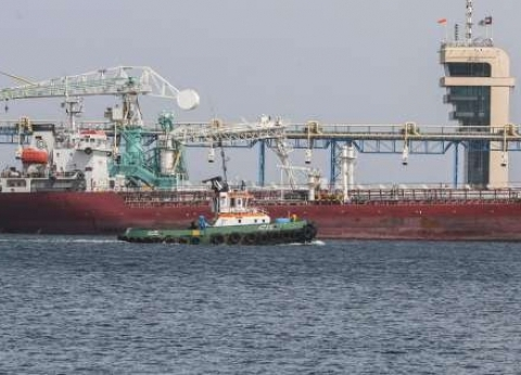 البحرية الأمريكية تطالب السفن بعدم مقاومة إيران بالقوة في مياه الخليج