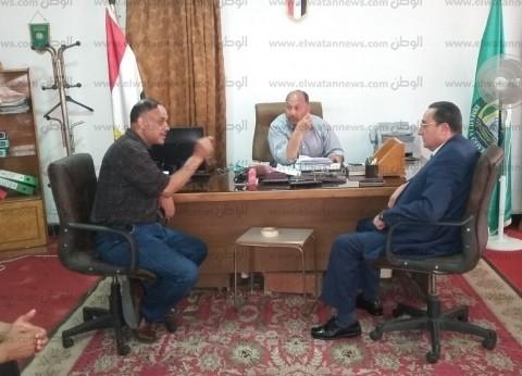 رئيس مدينة القنطرة شرق يناقش أعمال تطوير منطقة جهاز الري