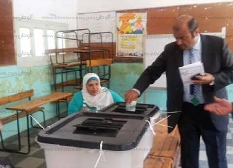 وزير التموين أثناء الإدلاء بصوته في الإسكندرية: البرلمان المقبل سيشرع لمصر جديدة