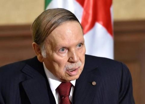 الرئيس الجزائري يبعث ببرقية عزاء إلى السيسي في حادث محطة مصر