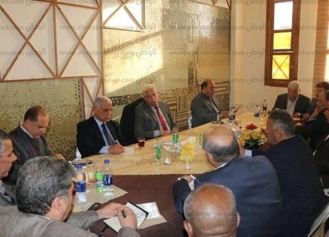 محافظ جنوب سيناء يناقش استعدادات العيد القومي للمحافظة