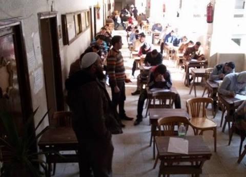 عميد كلية أصول الدين والدعوة بطنطا يشدد على منع الهواتف المحمولة خلال الامتحانات