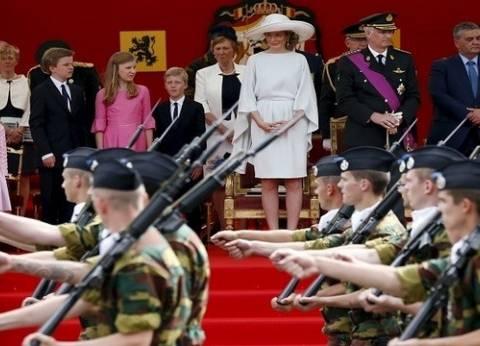 لأول مرة منذ 1831.. تزويد الشرطة البلجيكية بالرصاص الحي في عرض عسكري