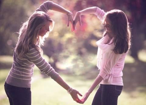 «الأصدقاء».. حب «الأنتيمات» ذلك أفضل جداً