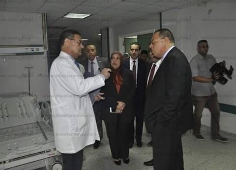 بالصور| رئيس جامعة قناة السويس يتفقد المستشفى التخصصي