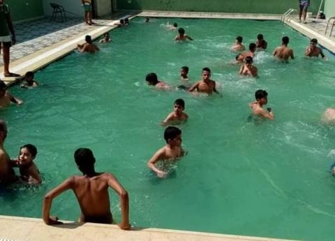 إغلاق حمام سباحة بدون ترخيص في الخانكة