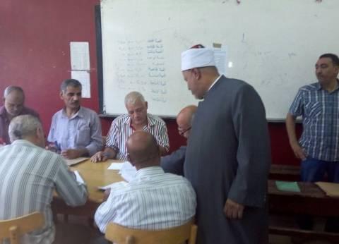 رئيس قطاع المعاهد الأزهرية يتفقد مراكز تصحيح الثانوية بالقاهرة