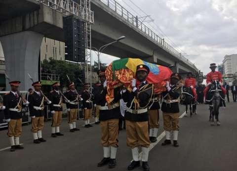 الآلاف يشيعون جنازة مدير سد النهضة