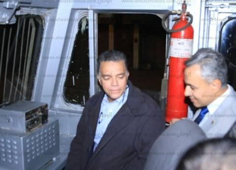 بالصور| وزير النقل يستقل جرار قطار من القاهرة للمنيا لمتابعة إجراءات السلامة