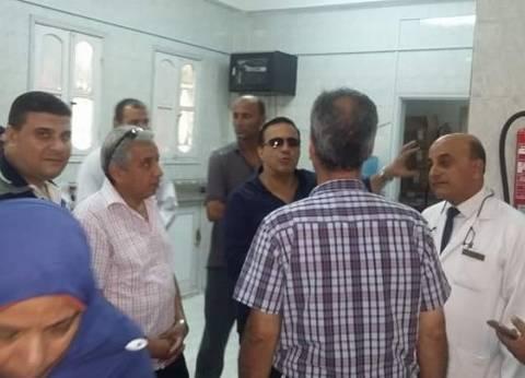 """وكيل وزارة الصحة بدمياط يتفقد مستشفى """"كفرسعد"""" المركزي ويأمر باستقبال حالات الطوارئ"""