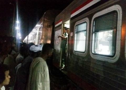 «السكك الحديدية»: عامل مزلقان ينقذ ركاب «قطار المنيا» من «كارثة»