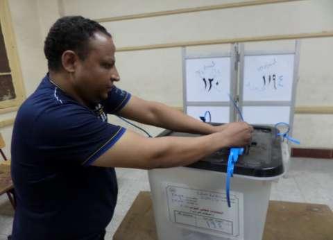 بالصور| غلق 1383 لجنة انتخابية بسوهاج وتسليم المقرات للجيش والشرطة