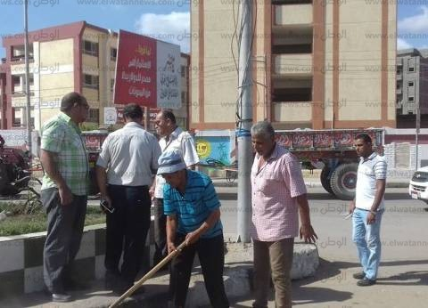 بالصور| رئيس مدينة سمنود يتابع أعمال النظافة والتجميل ورفع القمامة