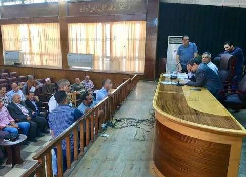 صور  سكرتير عام كفر الشيخ يناقش 39 شكوى في اللقاء الأسبوعي للمواطنين