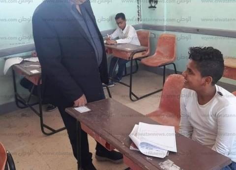 من أصل 14 ألف.. 5 طلاب يؤدون امتحان أولى ثانوي إلكترونيا