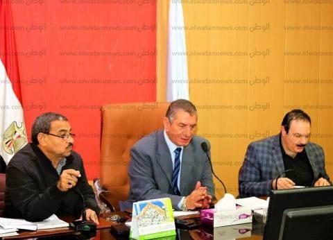 محافظ كفر الشيخ يكلف بتكثيف الرقابة على الأسواق والمخابز
