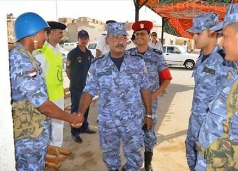 بالصور| رئيس أركان القاعدة البحرية يتفقد لجان الانتخابات في القصير
