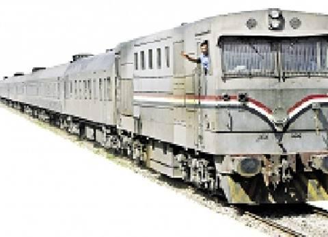"""وزير النقل: الانتهاء من تحويل إشارات القطارات لـ""""كهربائية"""" عام 2021"""