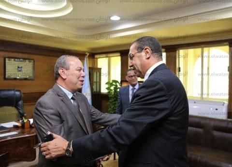 بالصور  محافظ كفر الشيخ يستقبل برلمانيا لمناقشة ملفات بدسوق وقلين