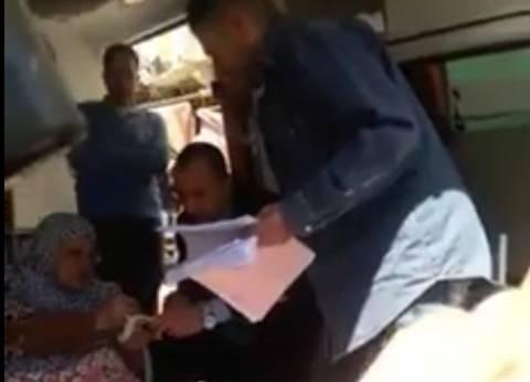 بالفيديو| مُسنة مريضة تدلي بصوتها داخل سيارة إسعاف في الإسكندرية