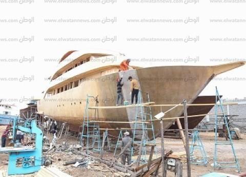 رحلة صناعة السفن فى رشيد.. سنوات من العمل لبناء «ركوبة البحر»