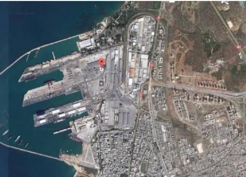 بالفيديو  سفينة روسية عملاقة تفرغ شحنات كبيرة في سوريا