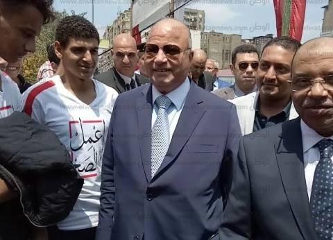 وزير التنمية المحلية يتفقد اللجان الانتخابية في شبرا