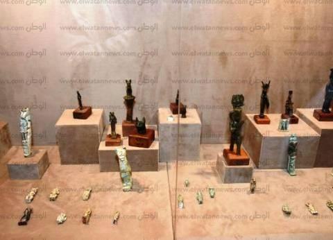 مدير الآثار المستردة يحاضر في ندوة بقبرص عن جهود استرداد القطع الأثرية