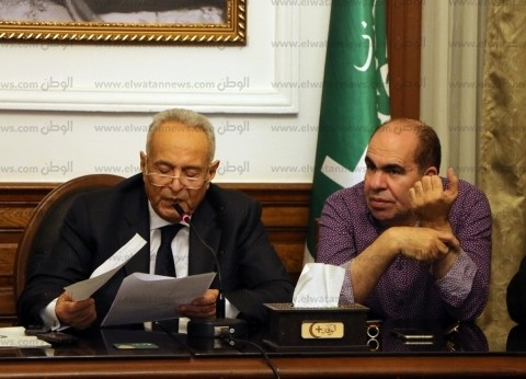 «أبو شقة» يجمد عضوية رئيس لجنة «الوفد» ببورسعيد