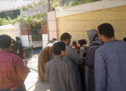 لجان البدرشين تفتح أبوابها أمام الناخبين للمشاركة في الاستفتاء