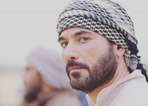"""غدا.. أحمد عز ضيف دنيا صلاح عبد الله على """"نغم FM"""""""