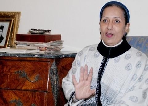 ابنة كاميليا السادات تستقبل عزاء والدتها في مسجد الرحمن الرحيم