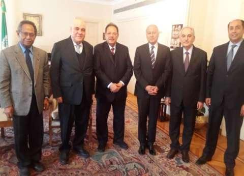 الرئيس اليمني الجنوبي السابق يلتقي الأمين العام لجامعة الدول العربية