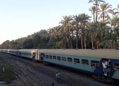 """""""السكة الحديد"""": تأخر قطار سوهاج بمحطة شندويل نتيجة عطل مفاجئ"""