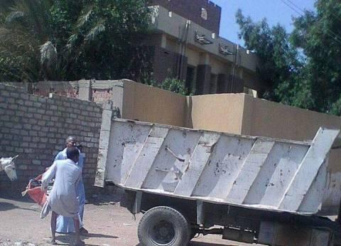 تطهير الترع وإزالة مخلفات وقمامة بقرى مركز المنيا
