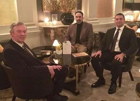 """معز مسعود يلتقي روبرت شيلدريك في إطار مشروع """"الباحث عن الحقيقة"""""""