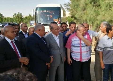 محافظ الوادي الجديد ووزير الزراعة يزوران مزرعة نموذجية لزراعة النخيل