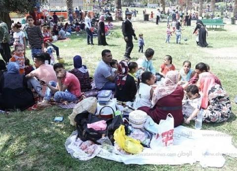 «الدنيا ربيع».. المصريون يحتفلون بشم النسيم فى الحدائق والمتنزهات