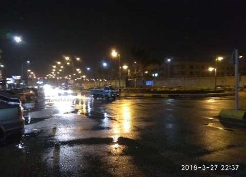 بالصور| أمطار غزيرة تغرق شوارع الشيخ زايد والتجمع