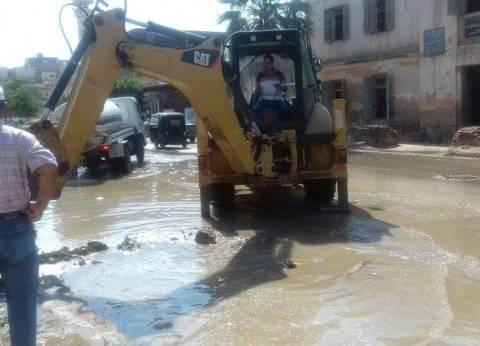 إصلاح كسر بالخط الرئيسي لمياه كفر سعد وصيانة أعمدة الإنارة العامة
