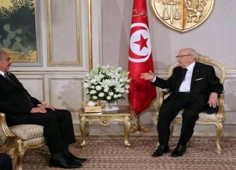 السبسي لـ«حفتر»: الاستقرار في ليبيا شرط أساسي لأمان تونس