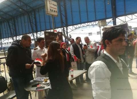 """إقبال كبير من الناخبين على لجان """"السكة الحديد"""" للاستفتاء على الدستور"""