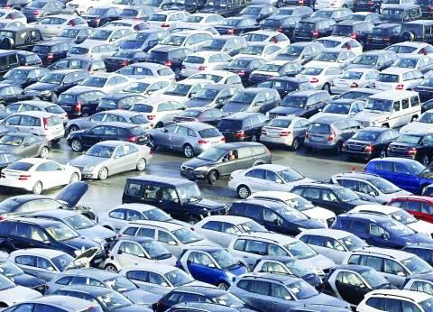 بيع السيارات يتراجع 70٪.. وكبار التجار يرفضون تخفيض الأسعار