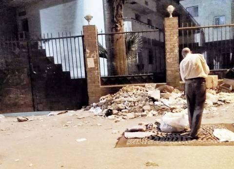 مستشفى النيل للتأمين.. «التطوير وسط القمامة»