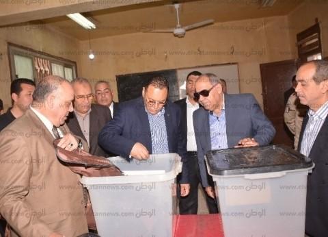 """محافظ الشرقية يتفقد لجان 4 مدارس استعدادا لـ""""استفتاء الدستور"""""""