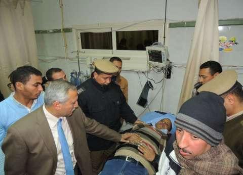 مدير أمن سوهاج يطمئن على مصابي حادث انقلاب سيارة شرطة في البلابيش