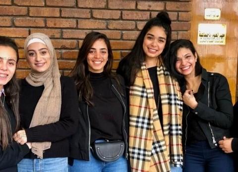 """طلاب """"إعلام إسكندرية"""" يحولون تكاليفهم إلى بهجة على أنغام """"مدد.. مدد"""""""