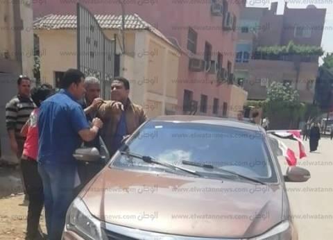 """""""المعلم عمرو"""" يساعد الناخبين في شبرا: """"بعمل الأصول وواجبي لوطني"""""""
