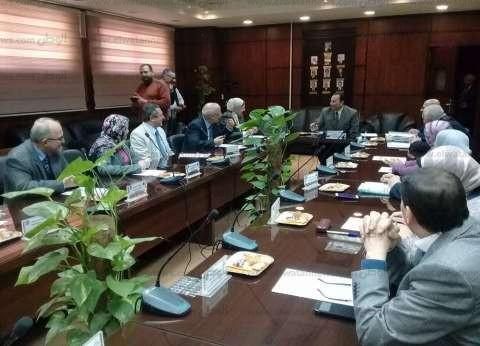 رئيس جامعة المنوفية: منع الإجازات للعاملين في أثناء الدراسة