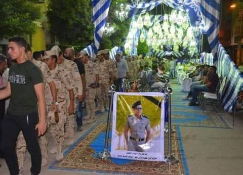 محافظ الإسماعيلية يعزي أسرة الملازم محمد حامد بعد استشهاده بحادث سير